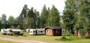 Pahkalanniemi matkailuajoneuvo ja mökkialue